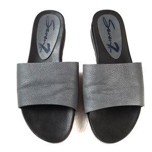 Seven 7 Pearl Slides Sandals Flip Flops Size 7